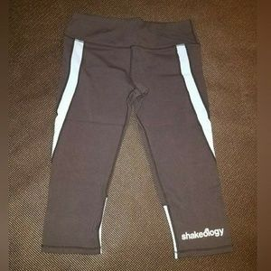 Shakeology Capri Pants
